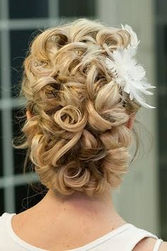 Top Inspiration Prom Hair Updo Curly - The assumption that taking care of yourself is only done by women and men who have already begun to change. Elegant Hairstyles, Up Hairstyles, Pretty Hairstyles, Wedding Hairstyles, Wedding Updo, Bridal Updo, Prom Updo, Cabelo Ombre Hair, Make Up Braut
