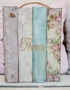 61 best ideas for rustic wood art paint shabby chic Shabby Chic Crafts, Rustic Crafts, Shabby Chic Decor, Wood Crafts, Diy And Crafts, Arte Pallet, Pallet Art, Decoupage Furniture, Decoupage Vintage
