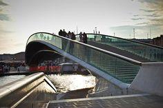 Santiago CALATRAVA - The COSTITUTION Bridge