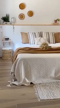 What Is Home Decor Boho bedroom ideas Boho Bedroom Decor, Room Ideas Bedroom, Cozy Bedroom, Ikea Bedroom, Decor Room, Bedroom Bed, Bench In Bedroom, Bed Room, Bedroom With Plants