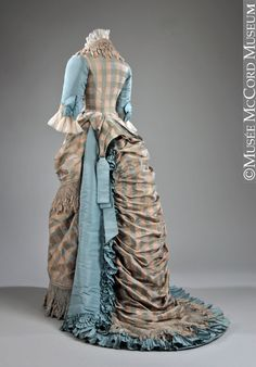 Robe du soir Vers 1873, 19e siècle Don de Miss Estelle Holland M20277.1-2 © Musée McCord