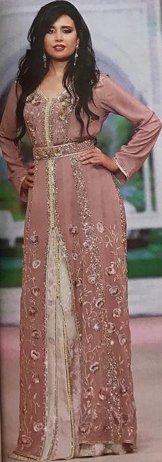 """Résultat de recherche d'images pour """"hanan el khader caftan"""" Ethnic Fashion, Unique Fashion, Anastasia Dress, Style Marocain, Moroccan Caftan, Period Outfit, African Dress, Modest Fashion, Fashion Beauty"""