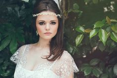 When all you need is a simple, subtle and gorgeous forehead band to nail that boho wedding day style. Check out 'Harriet' by Klaire Van Elton