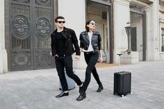 Whoa! This robotic suitcase lets you go hands-free. The future is here.