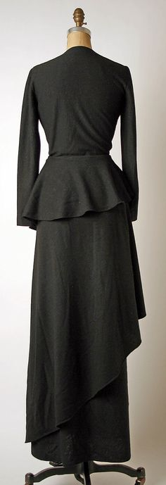 Evening dress, back, Madame Grès, late 1960s -mid 1980s, wool, Metropolitan Museum of Art