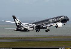 Air New Zealand ZK-NZE aircraft at Auckland Int