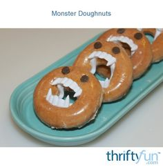 Monster Doughnuts If you are looking for a quick and inexpensive treat give these monster doughnuts a try! They are perfect for a Halloween party or as a classroom treat! The post Monster Doughnuts appeared first on Halloween Treats. Halloween Donuts, Halloween Treats For Kids, Scary Halloween Decorations, Toddler Halloween, Easy Halloween, Halloween 2020, Scary Halloween Food, Scary Food, Halloween Desserts