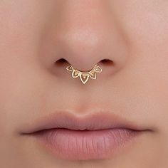 Fake Septum Nose Ring, Indian Lotus Shaped Faux Brass Clip On Non Pierced Septum Hoop, Handmade Piercing Jewelry Bijoux Piercing Septum, Septum Nose Rings, Septum Jewelry, Piercing Tattoo, Body Jewelry, Jewelry Rings, Jewellery, Cute Piercings, Body Piercings