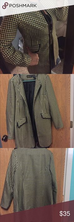 Metro Style long blazer or jacket Gorgeous yellow, black, and off white color with precious black faux leather trim. This jacket is a great way to add a little punch to an outfit. It's so fun! Size 12. It is in like new condition. metro style  Jackets & Coats Blazers