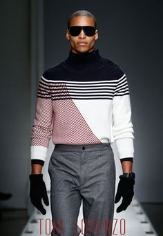 Once In a While, The Women of New York Leave The Cold Days Behind and Look Forward To Be Wrapped in Trendy Summer Clothes . This Is Known as New York Fashion Week New York Fashion Week 2018, Winter Typ, Der Gentleman, Trendy Summer Outfits, Summer Clothes, Well Dressed Men, Looks Style, Trendy Fashion, Trendy Clothing