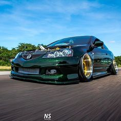 We're obsessed with #WheelWednesday! Credit: @deividc5 / @lowlife_nick