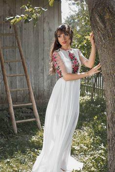 86f87ebcbdc9bbb Весільні сукні в українському стилі | Свадебный каталог. Весільна сукня ...