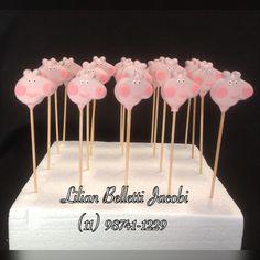 Cakepops ou bolo no palito com tema Peppa Pig