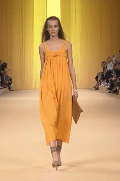 Buttercup yellow cotton and silk seersucker dress. #hermes #hermesfemme #womenswear #fashion