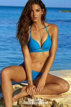 Lily Aldridge – Sports Illustrated Swimsuit 2016