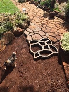 DIY Concrete Path Mold – DIY projects for everyone! Concrete Patios, Concrete Garden, Diy Concrete Mold, Concrete Pathway, Garden Pests, Shade Garden, Diy Garden, Walkway, Backyard Landscaping