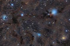 Varios objetos celestes surcan el cielo entre las constelaciones de Aries y Perseo (Pavel Pech, 2016)