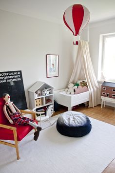UKKONOOA: Vuodekatos ja lattiaremontti / DIY Bed Canopy
