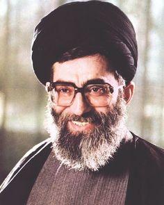 when his majesty was president of iran ! Islamic Images, Islamic Pictures, Islamic Art, Karbala Tv, Supreme Leader Of Iran, Persian Warrior, Imam Hussain Wallpapers, Hazrat Imam Hussain, Qasem Soleimani