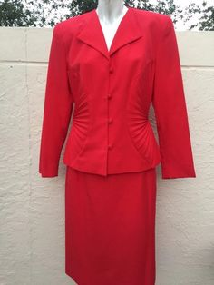 LILLI ANN STUNNING VINTAGE RED SKIRT SUIT WITH PLEATED FAN SIDES