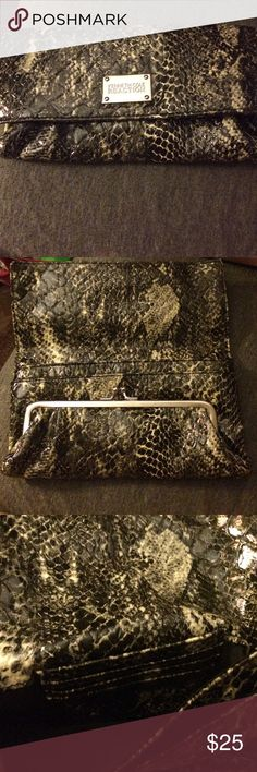 Kenneth Cole Snakeskin Clutch Brand new, never used clutch in excellent condition! Perfect for a night out :) Kenneth Cole Reaction Bags Clutches & Wristlets