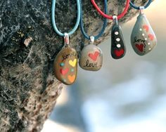Pebble pendants...these are so cute!