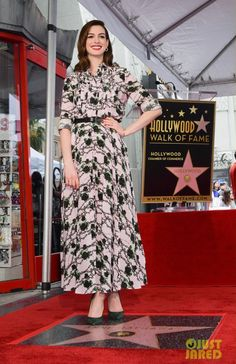 Anne Hathaway, Hollywood Walk Of Fame, Dresses With Sleeves, Actresses, Long Sleeve, Fashion, Dress, Female Actresses, Moda