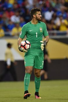 Allison Becker might sound like a woman, but that big bulge says otherwise. More hot men Soccer Players Hot, Soccer Guys, Rugby Players, Football Players, Rugby League, Brazil Football Team, Football Match, Football Outfits, Sport Outfits