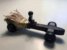 "Check out this Harry Potter ""Nimbus 2000"" Pinewood Derby car"