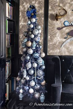Beautiful Blue Christmas Tree Decorations (and 20 Other Christmas Tree Decoratin. Beautiful Blue Christmas Tree Decorations (and 20 Other Christmas Tree Decorating Ideas) Blue Christmas Tree Decorations, Purple Christmas Tree, White Christmas Ornaments, Colorful Christmas Tree, Christmas Colors, Christmas Tables, Coastal Christmas, Christmas Ideas, Christmas Crafts