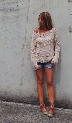 Loose-knit, almost off-the-shoulder jumper with extra-long sleeves. Love the style, would be great for casual cover up on summer/spring/autumn evenings.  What about stripes?