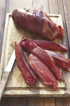 Biltong, Home Brewing Beer, Preserving Food, Canning Recipes, Preserves, Sausage, The Cure, Food And Drink, Meat