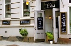 At Tullinløkka you find Elias, a friendly and informal place that offers homemade Norwegian food at reasonable prices.  The menu includes ev...
