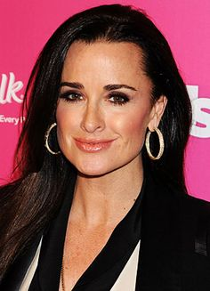 Kyle Richards is the person I want to be....fashion, hair, n all. (looks pretty amazing to NEVER have had botox)