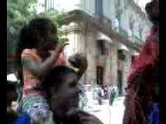 Porque en La Habana los colores y la música desandan las calles…