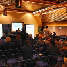 De dagvoorzitter Patrick Nederkoorn opent #cpo036 #Almere #AlmerePoort #Plankostenfonds