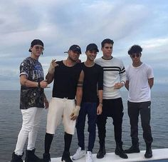 Los mejores Celebrity Outfits, Celebrity Crush, Pretty Boys, Cute Boys, Cnco Richard, Reasons To Live, Ricky Martin, Latin Music, O Love