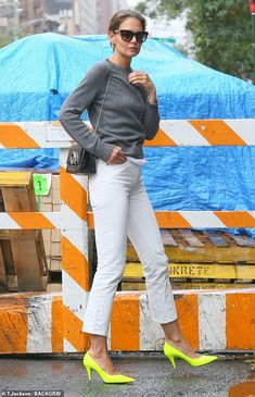 She has been serving looks that could kill since her breakup with Jamie Foxx.Katie Holmes, stepped out in New York as she headed to Serge Normant at John Frieda Salon. New York Fashion, Star Fashion, Neon High Heels, Levi Denim Jacket, Sunday Dress, White Leggings, Katie Holmes, White Denim, Grey Sweater