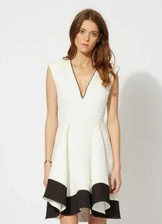 À vendre sur #vintedfrance ! http://www.vinted.fr/mode-femmes/fetes-and-cocktails/44110279-robe-maje-noire-et-blanche-36