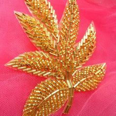 Wonderful Ribbon Embroidery Flowers by Hand Ideas. Enchanting Ribbon Embroidery Flowers by Hand Ideas. Pearl Embroidery, Tambour Embroidery, Bead Embroidery Patterns, Hand Embroidery Flowers, Couture Embroidery, Bead Embroidery Jewelry, Beaded Jewelry Patterns, Silk Ribbon Embroidery, Embroidery Fashion