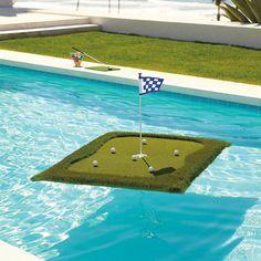 Fantastico regalo per chi ama giocare a golf http://www.lapolitica.org/campo-da-golf-galleggiante