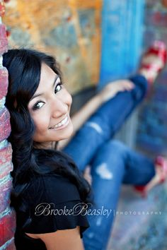 Senior girl pose - Click image to find more Photography Pinterest pins
