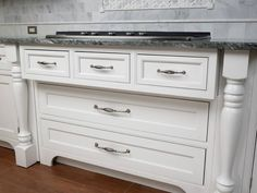 DECOR traditional cabinet hardware