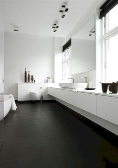 awesome 66 Black and White Modern Master Bathroom Ideas https://homedecort.com/2017/05/black-white-modern-master-bathroom-ideas/