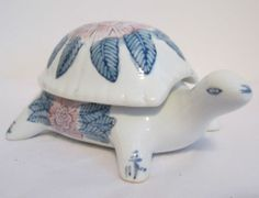 VTG Ceramic Porcelain Turtle Trinket BOX Container White Blue Hand Painted China | eBay