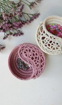 Yin yang jewelry dish, pattern & finished product. by goolgool.
