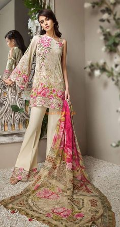 Anaya Latest Embroidered Lawn Collection Replica 2018 Fabric : Lawn + Chiffon Duapatta Printed Front Embroidered Neck bunch printed Back Printed Sleeves Embroidered Daman Embroidered trousers bunch included With printed Chiffon Dupatta Pakistani Party Wear Dresses, Pakistani Dress Design, Pakistani Designers, Boys Kurta, Mehndi Dress, Pakistani Street Style, Linen Suit, Gypsy Style, Designer Collection