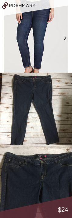 "Torrid Women's Size 26 Dark Wash Jeans Denim Torrid Women's Size 26 Dark Wash Jeans Denim No flaws  Cotton blend  Retail $68 Machine wash  Measurements when laid flat: Waist: 24"" Rise: 11.5"" Inseam: 29""     /535/ Torrid Jeans Skinny"