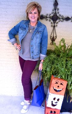 50 IS NOT OLD | SMALL WARDROBE STYLE CHALLENGE FINALLY | Denim Jacket | Chuck Taylors | Converse | Fashion over 40 for the everyday woman | Shop my closet