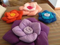 Cuscini a rosa.. Vari colori e dimensioni